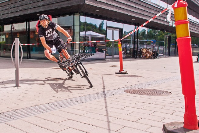 Cargo-race des ECMC 2014 à Stockholm. Jumbo (fondateur de Omnium Bike), champion d' Europe.