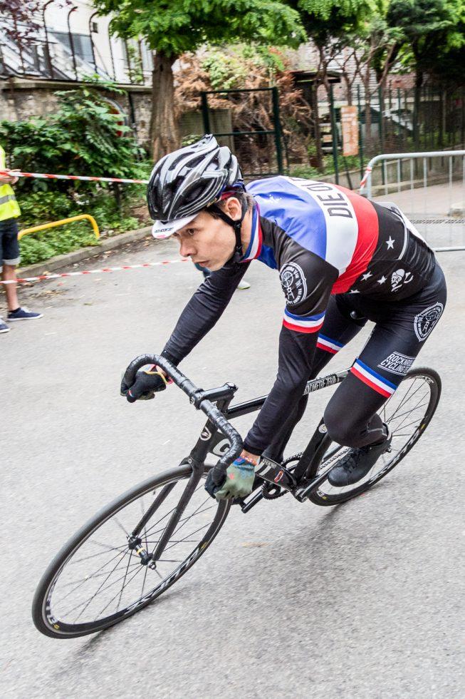 La petite course, critérium de vélo à pignon fixe, qui s'est tenu le 4 juin à l'ancien Hopital Saint Vincent de Paul à Paris.